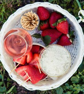 sommar-jordgubbar-rose